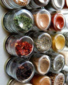 magneetverf kruidenrek keuken met magnetische verf